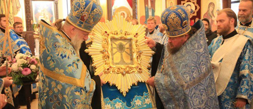 В кафедральном соборе состоялась встреча Жировицкой иконы Богородицы