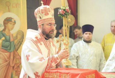 Епископ Серафим совершил пасхальную Божественную литургию в кафедральном соборе
